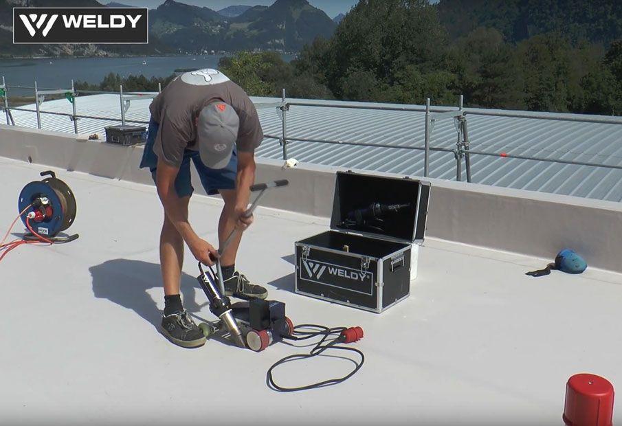 Prezentacja zastosowania zgrzewarki dachowej WELDY Roofer RW